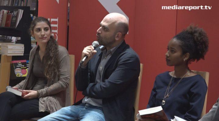 """Roberto Saviano alla Feltrinelli : """"Una legge che non c'è lo """"Ius soli"""""""
