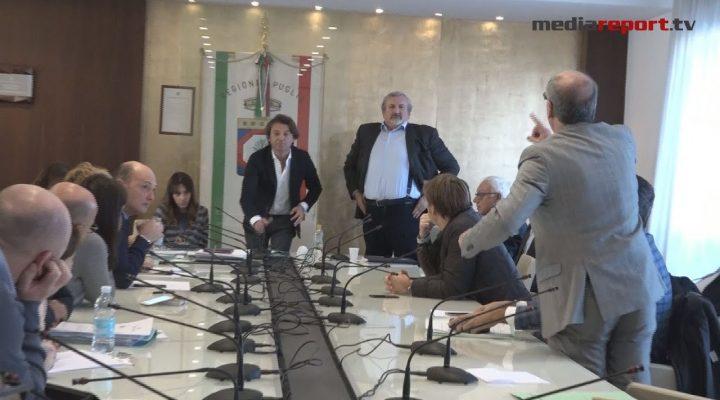 Regione: lavori sospesi in commissione Sanità, show Zullo-Emiliano