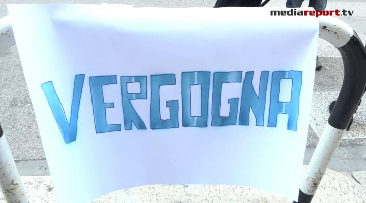 """AQP, Bari: """"Manca l'acqua. Da settimane disagi insostenibili"""" Protesta della Lega in Via Cognetti"""