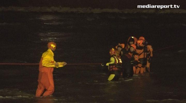 Bari, mercantile arenato s'inclina: dichiarato l'abbandono nave, soccorso l'equipaggio