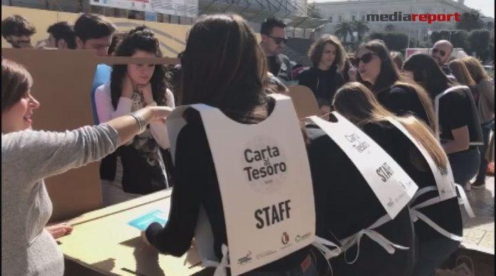 """Differenziata: a caccia di carta e cartone giocando per le strade di Bari con """"Carta al tesoro"""""""