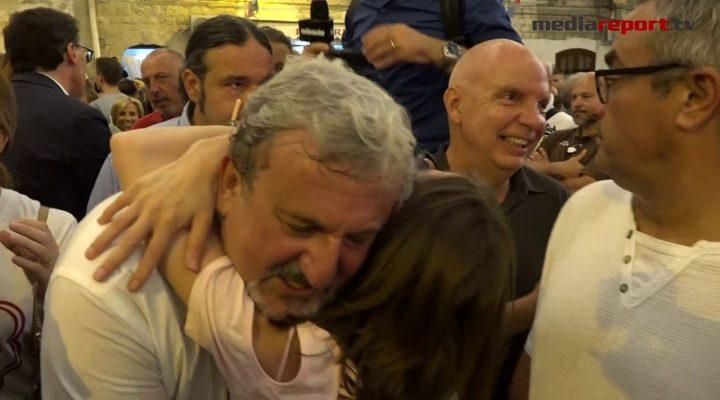 Happy Birthday Michele Emiliano, la festa per i suoi 60 anni nel cuore di Bari vecchia