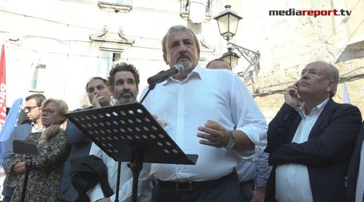 """Emiliano replica a Salvini: """"Non avrai pace fino a che io sarò presidente di questa Regione"""""""